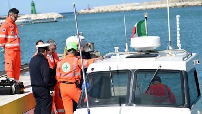 Lipari, cade in mare e si ferisce con l'elica: grave una 12enne