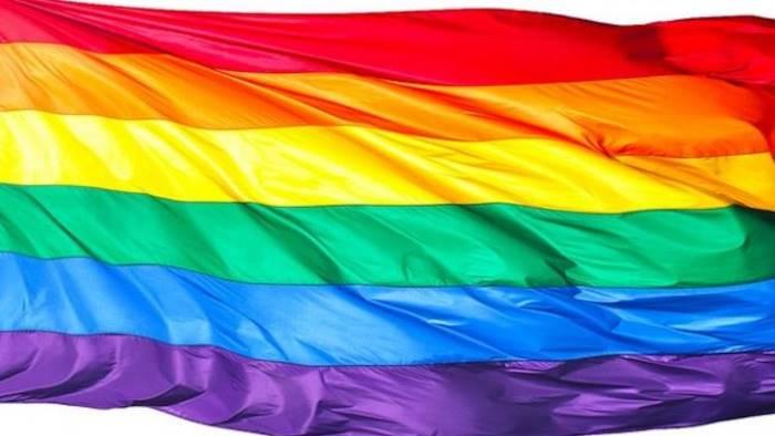 Ragazzi gay cacciati di casa: hanno dormito per strada