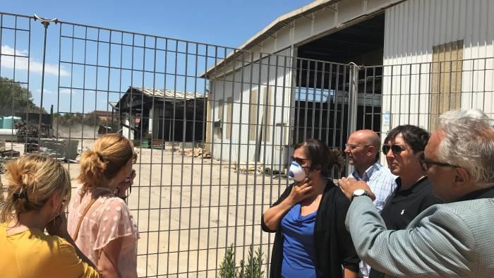 incendio sito rifiuti giovedi riunione in regione
