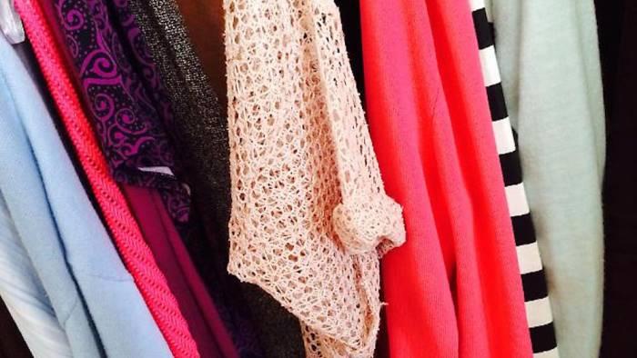 Ruba vestiti per 500 euro da Zara: denunciata 28enne