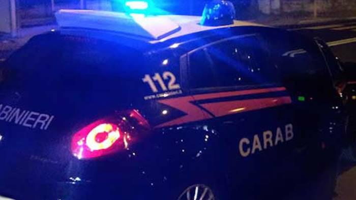 tentano di rubare un camion arrestati dai carabinieri