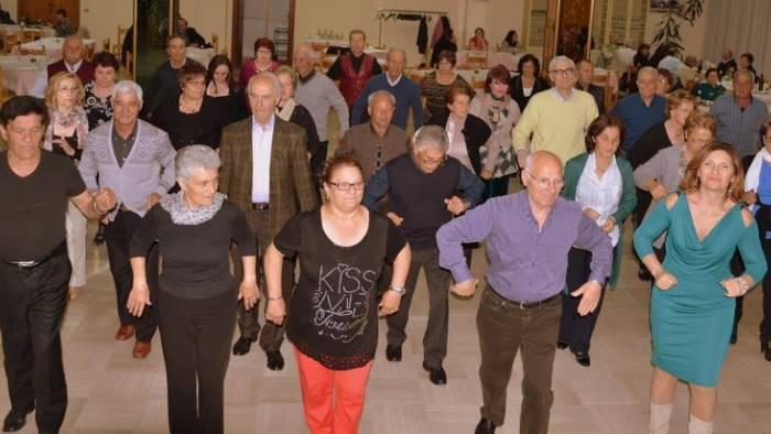 gli anziani non sono soli il ballo e la nostra forza