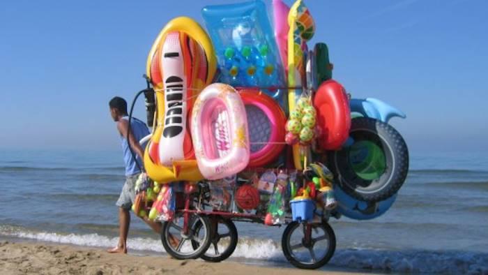 spiagge sicure ancora sequestri agli abusivi sul litorale