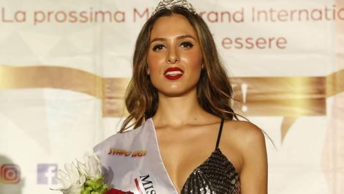 la modella irpinia francesca covino vince miss grand italy