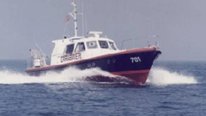 capri controlli dei carabinieri nelle acque dell isola