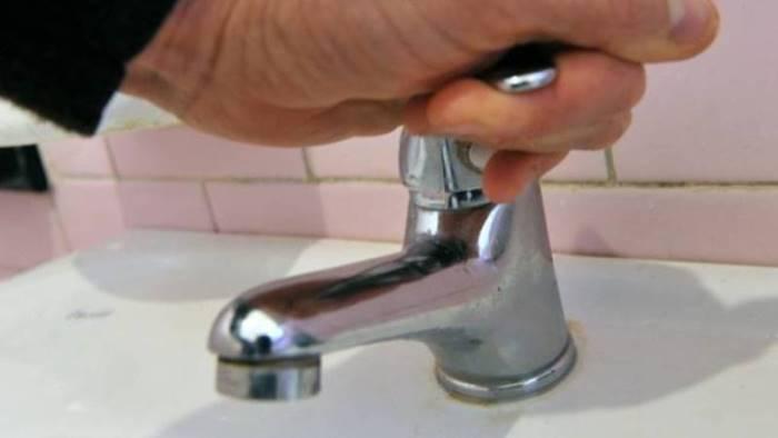senz acqua da ieri situazione drammatica nelle case