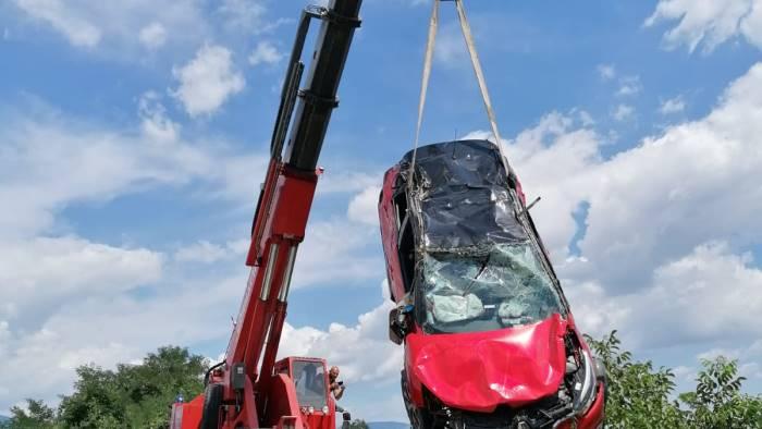 scontro tra auto paura e feriti