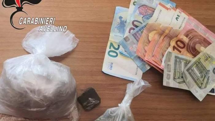 ariano la droga non sfugge al fiuto di nino nei guai 56enne