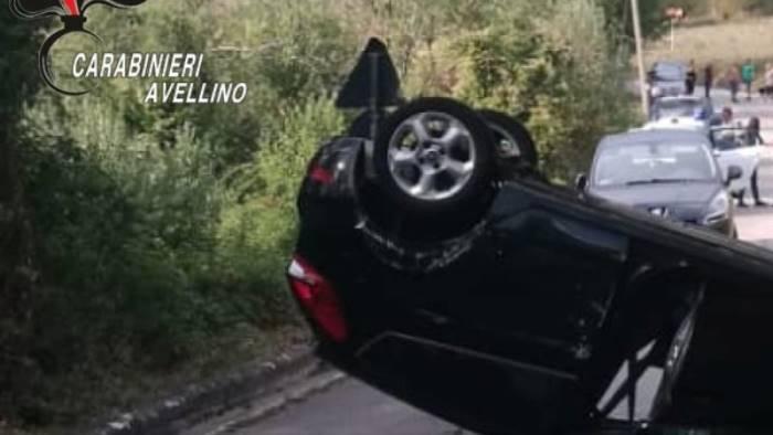 auto sbanda e si ribalta due donne in ospedale