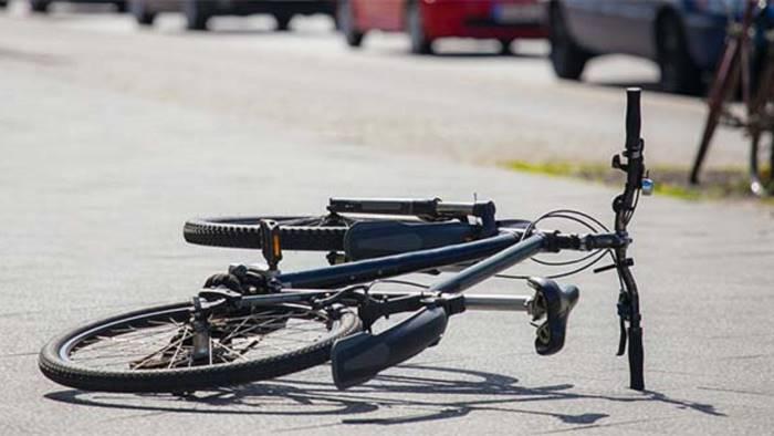 investe un uomo in bici preso pirata della strada
