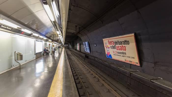 napoli si ferma la metropolitana per macchinisti in malattia