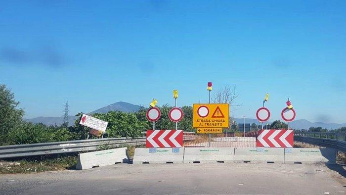 ponte volturno sequestrato pericoloso per pedoni e auto