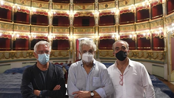 placido domingo al teatro verdi napoli un onore per salerno