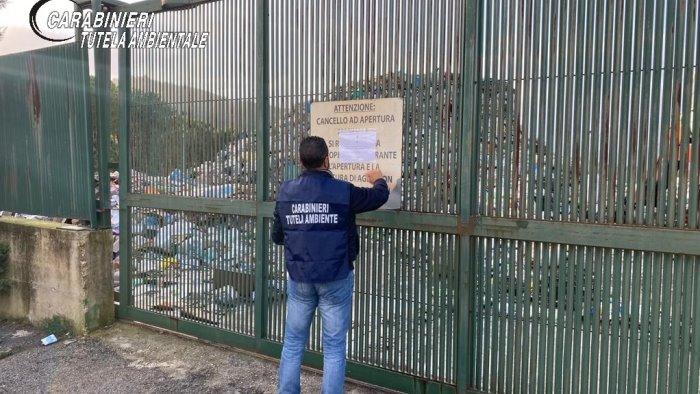 sequestrato centro raccolta rifiuti del comune 2 denunce