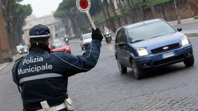 targa system a nola denunciato pregiudicato su auto sospetta