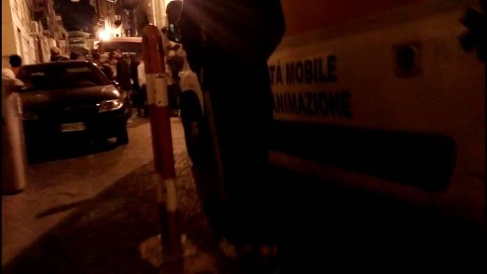 Litiga col fidanzato e cade dal balcone, grave 21enne di Castellammare