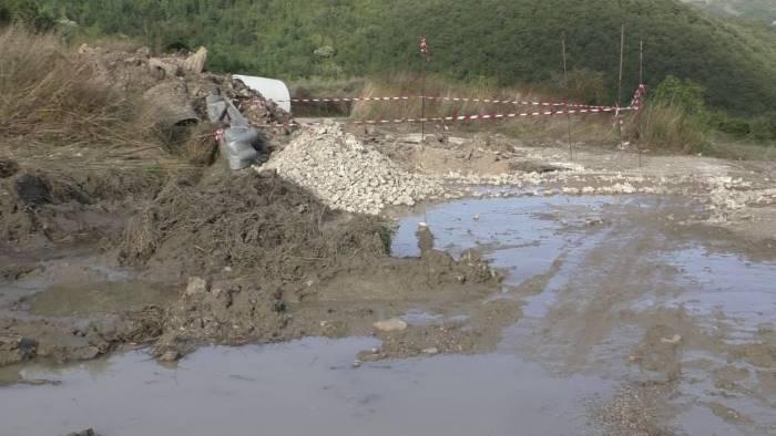 pezzi di strade e ponti che rischiano di essere cancellati