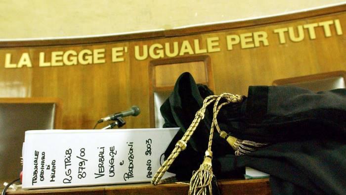 Risultati immagini per giustizia foto