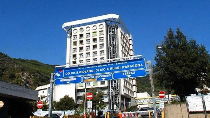 Blitz dei Nas all'ospedale di Salerno: incarichi nel mirino