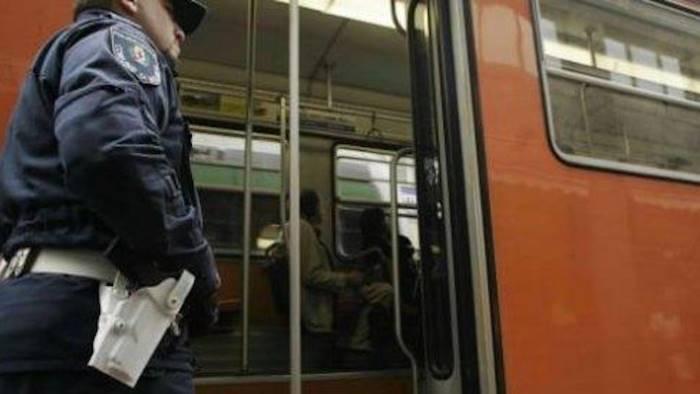 Scampia, branco su bus notturno Anm pestato a sangue un passeggero