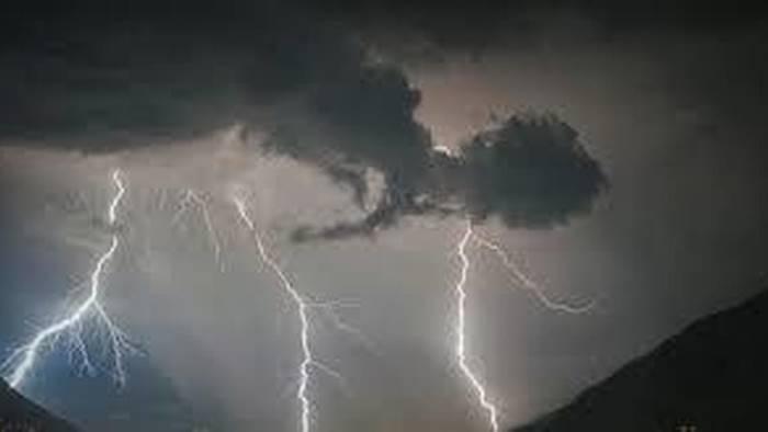 Temporali in Campania, allerta meteo arancione della Protezione Civile