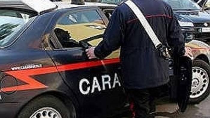 shopping in costiera con soldi falsi arrestati due giovani