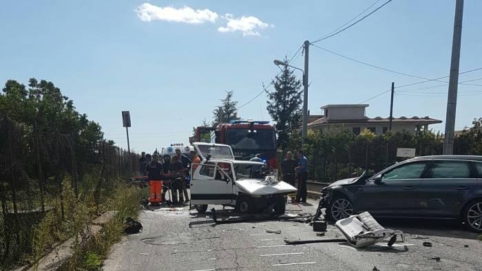 Incidente stradale a Pontecagnano, un morto e tre feriti