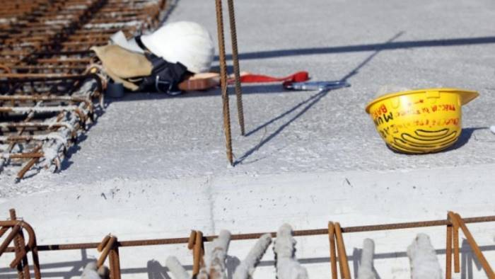 Tragedia sul lavoro a Giugliano, operaio cade da un'impalcatura e muore