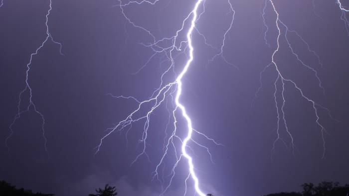meteo scatta l allerta temporali in campania