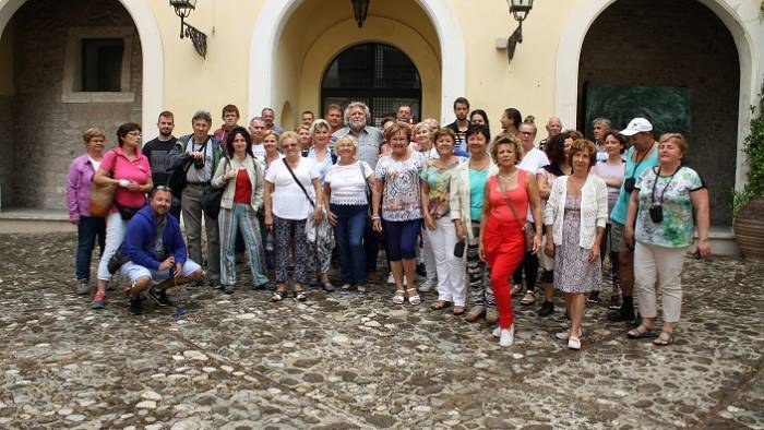 turisti ungheresi in citta