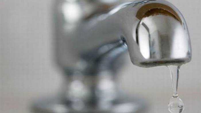 mezza citta senza acqua e poi perdite ovunque