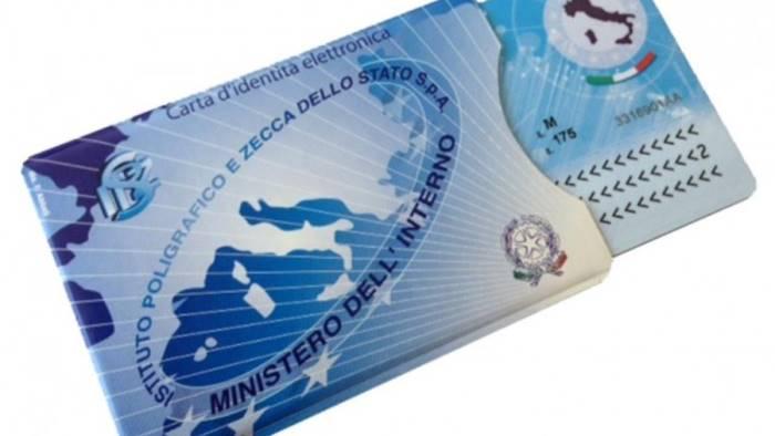 Ufficio Per Richiesta Tessera Sanitaria : Ariano arriva la carta didentità elettronica ottopagine.it avellino