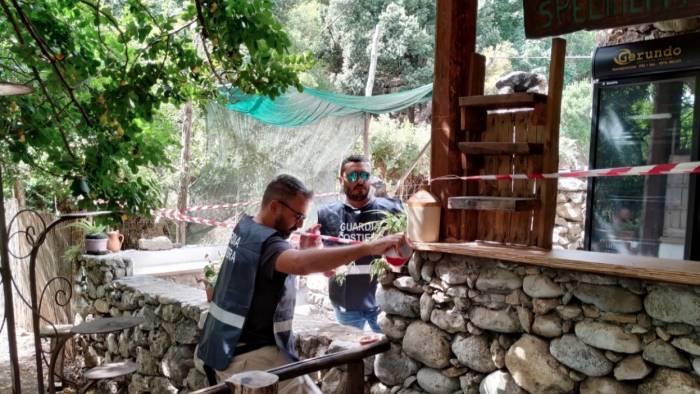 sversa reflui in un area protetta sequestrato ristorante