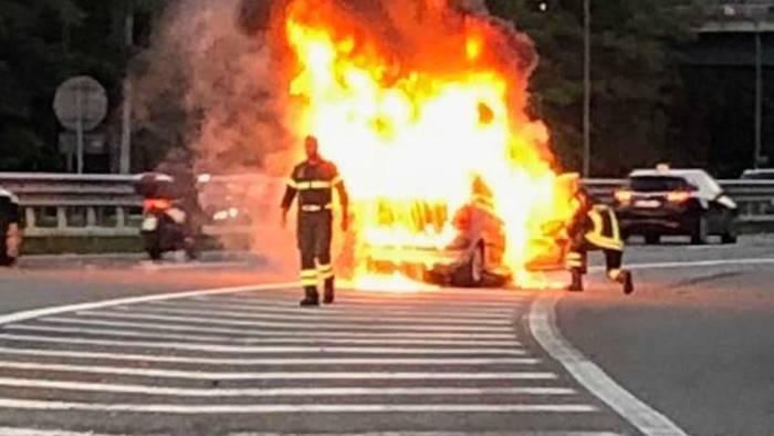 auto brucia morti padre e figlia erano originari di avellino
