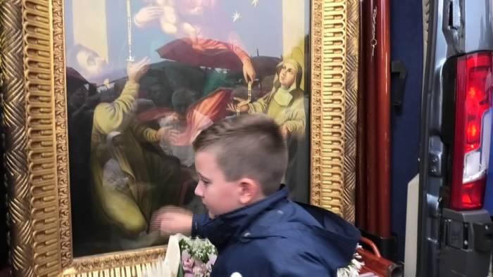 la madonna di pompei benedice la citta di ariano