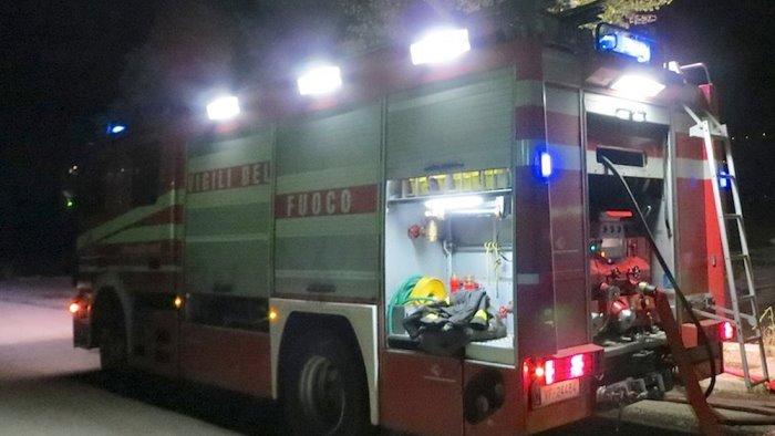 montesarchio fiamme in una pizzeria