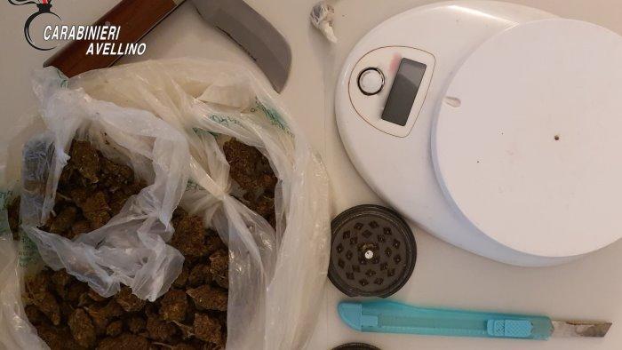 droga sul terrazzo di casa 40enne denunciato