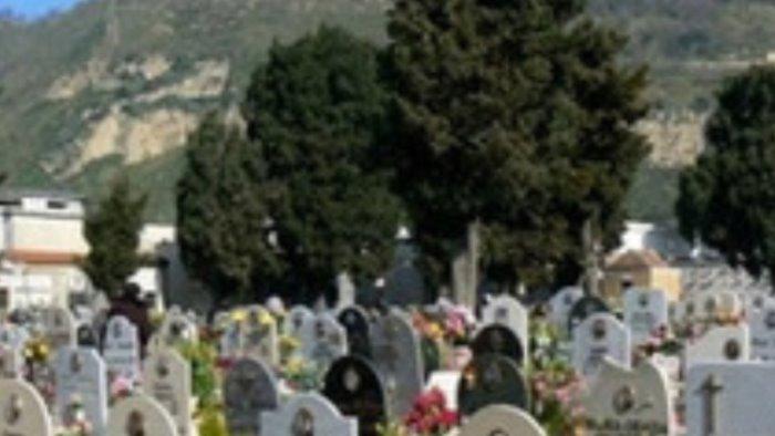 cimitero di pozzuoli chiuso causa covid