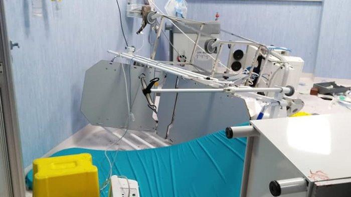 roccadaspide follia in ospedale distrutto il pronto soccorso