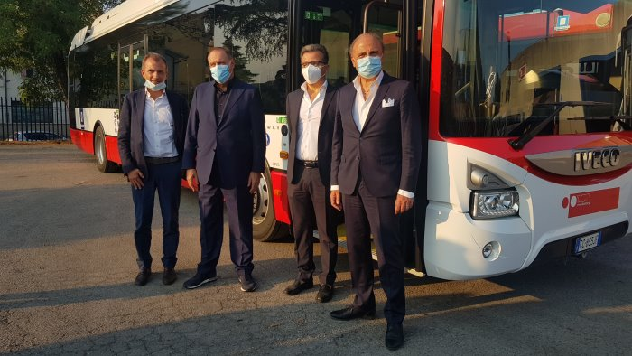 trasporto pubblico arrivano gli autobus ecologici