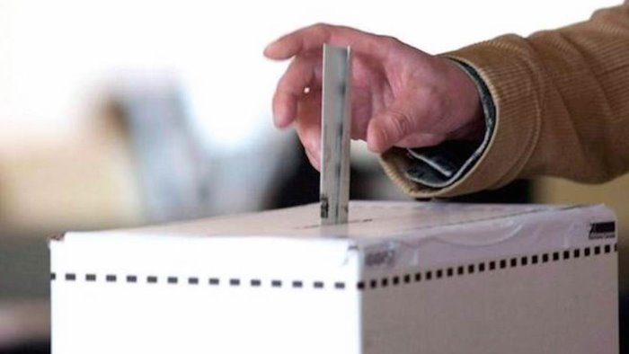 salernitani al voto affluenza regionali al 26 67 alle ore 19