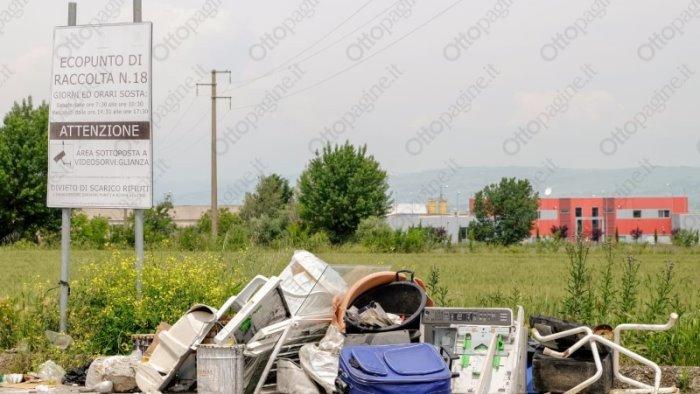 rifiuti telecamere presso gli ecopunti contro gli incivili