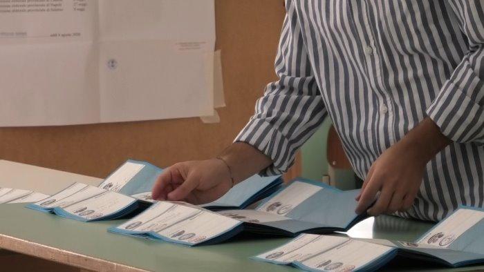 e ballottaggio ad ariano tra franza e la carita