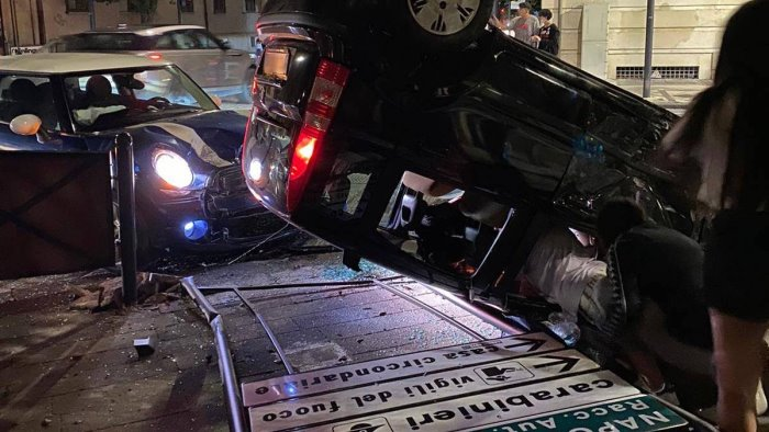 incidente all incrocio i semafori tornano in funzione