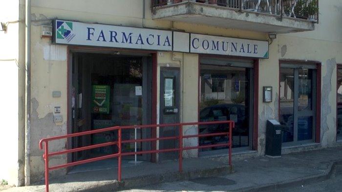 rapina alla farmacia comunale bottino da 4mila euro banditi in fuga