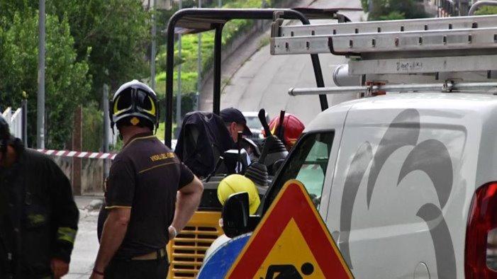 incidente sul lavoro a salerno operaio ustionato l attacco della cisal