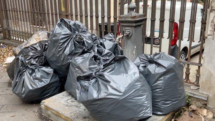 rifiuti traffico illecito tra veneto campania e toscana 12 arresti