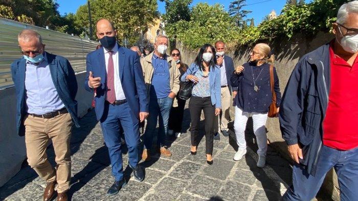 la sottosegretaria alla giustizia macina in visita al castello colonna di eboli