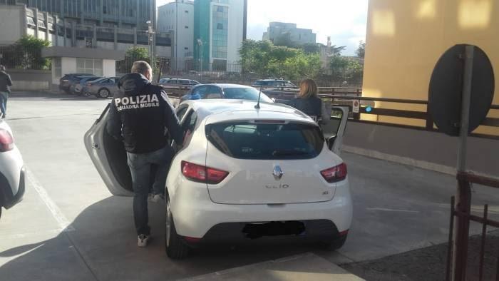 tentata concussione arrestato l ex sindaco carmine valentino
