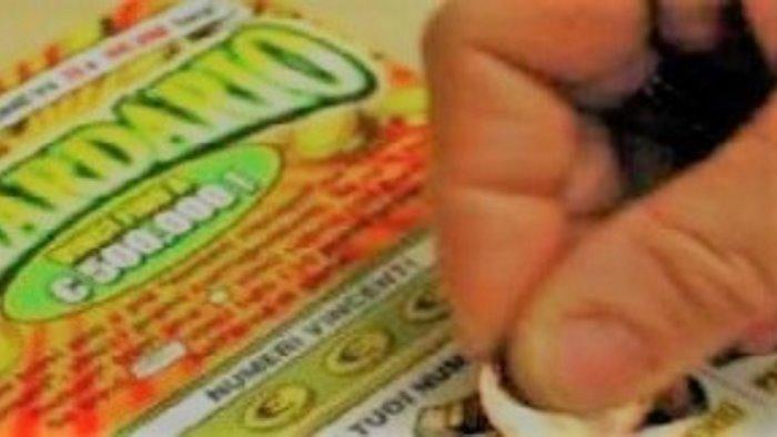 furto gratta e vinci a napoli revocata concessione scommesse alla tabaccheria